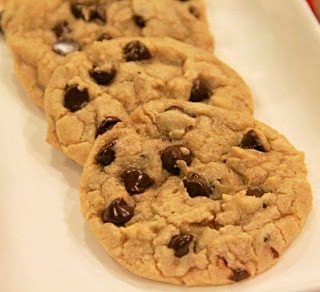 Thick and Chewy Chocolate Chip Cookies and Melt Review