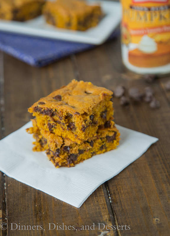 Pumpkin Chocolate Chip Bars {Dinners, Dishes, and Desserts}