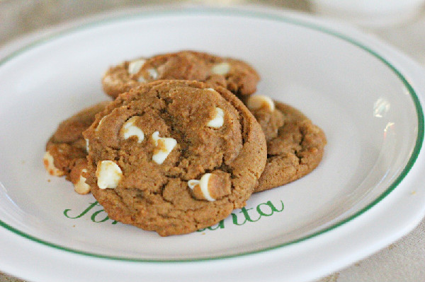White Chocolate Gingerbread Cookies