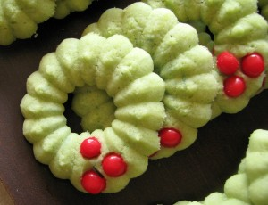 stack of Holly Wreaths cookies
