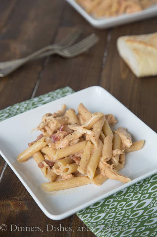 Smokey Garlic Chicken Pasta - so good and perfect for a weeknight