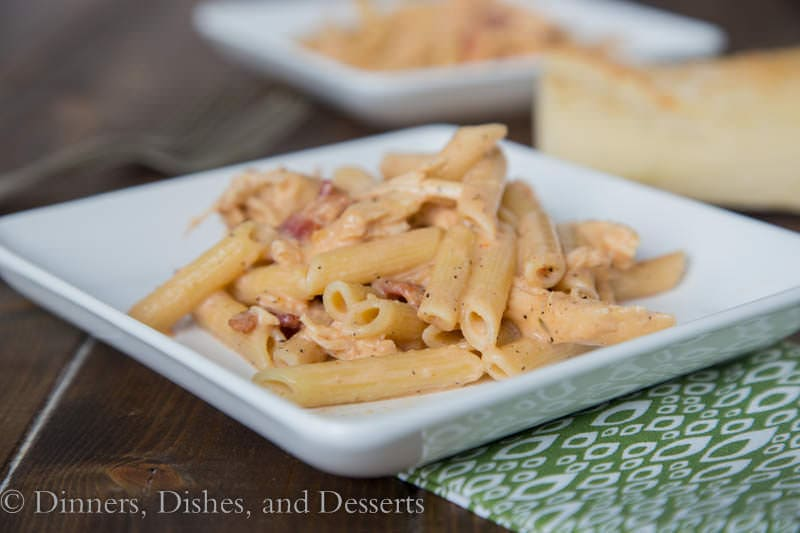 Smokey Garlic Chicken Pasta {Dinners, Dishes, and Desserts}