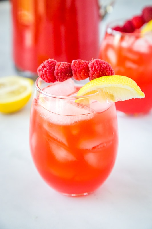 Raspberry lemonade from scratch
