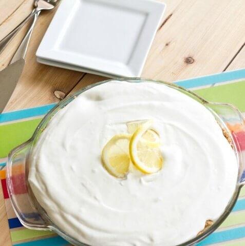 Lemonade pie - just 4 easy ingredients