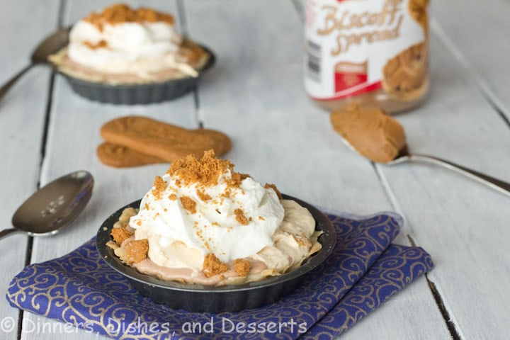 biscoff mousse cream pie on a plate