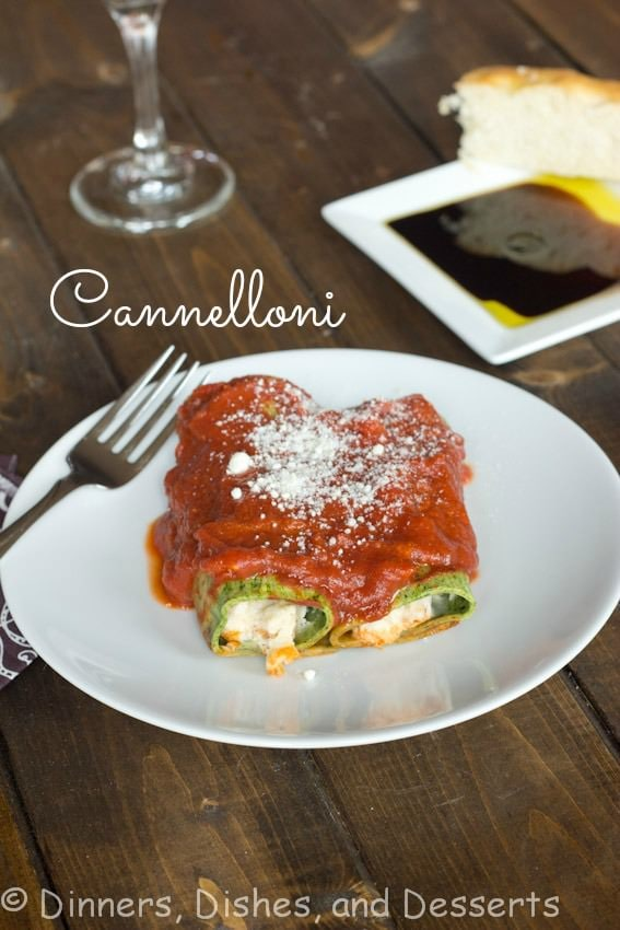 cannelloni with spinach pasta on a plate