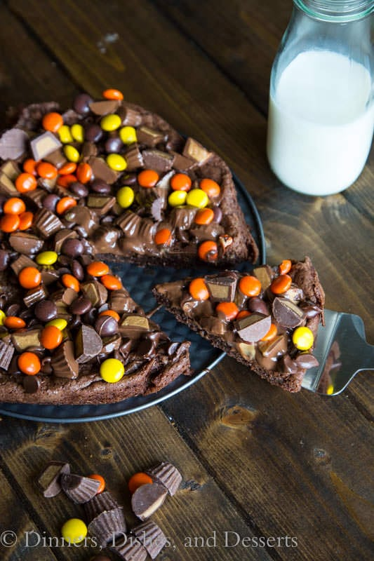 peanut butter brownie pizza on a plate