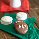 Chocolate Peppermint Dipped Oreos