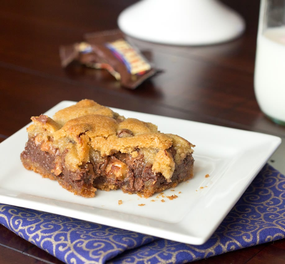 Gooey-Chocolate-Toffee-Bar-3-square