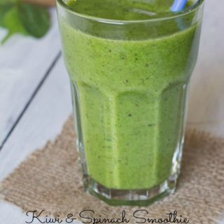 Kiwi & Spinach Smoothie - all the goodness of a green smoothie, but tastes just like a kiwi!