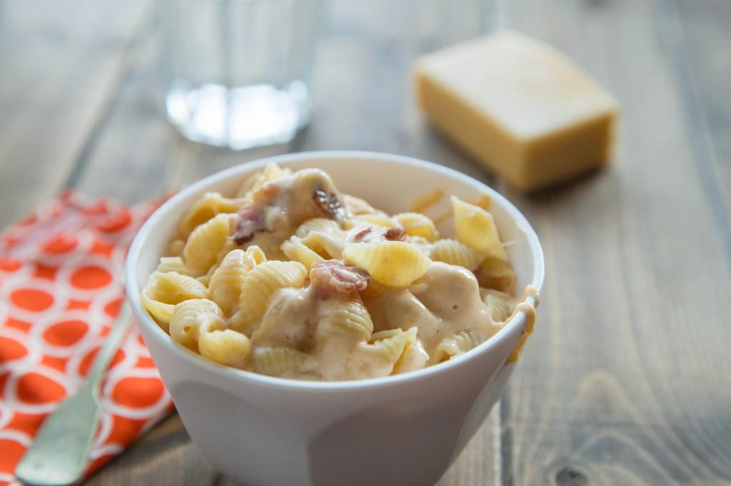 healthy stovetop mac and cheese in a bowl
