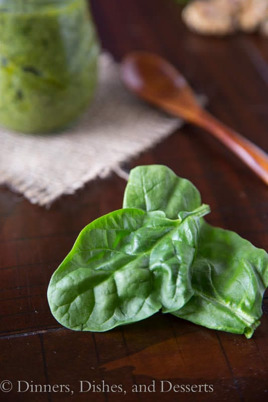 Fresh Spinach and Walnut Pesto - perfect for pasta, spreads, or sandwiches {Dinners, Dishes & Desserts}
