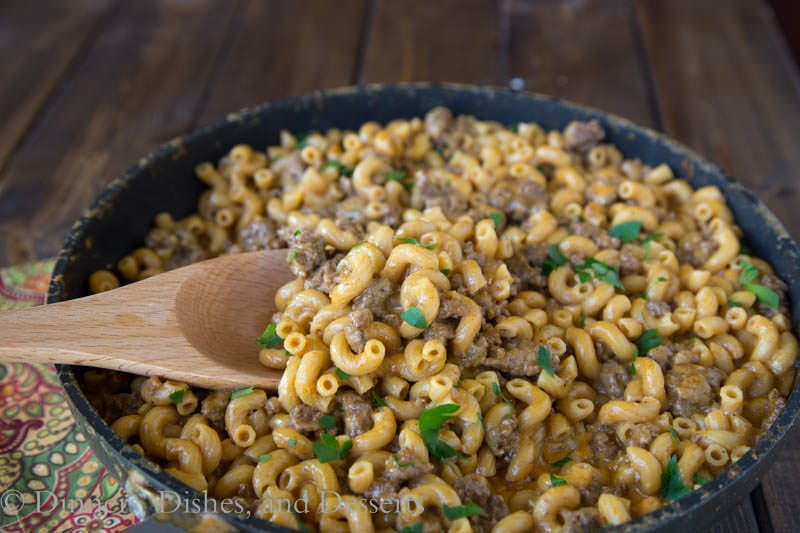 Cheeseburger Macaroni Skillet {Dinners, Dishes, and Desserts}