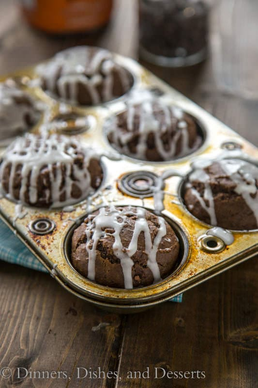 Chocolate Pumpkin Muffins with Pumpkin Spiced Glaze - great snack, breakfast, or lunch box treat for fall