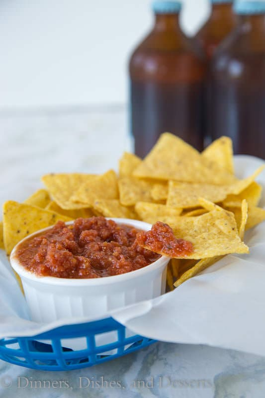 Easy Homemade Salsa - quick and easy salsa you can make in minutes all year round.