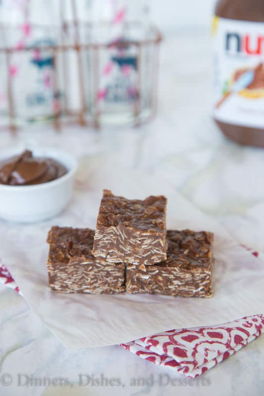 Nutella No Bake Bars - turn a classic no bake cookies into a quick and easy bar with lots of creamy Nutella.