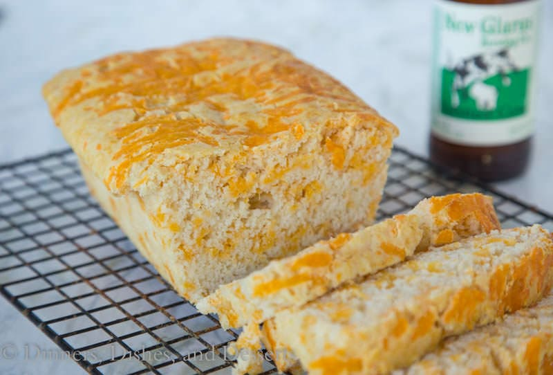 Easy Cheddar Beer Bread {Dinners, Dishes, and Desserts}
