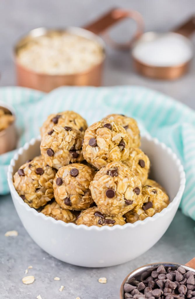 Peanut Butter Banana No Bake Energy Bites {The Cookie Rookie}