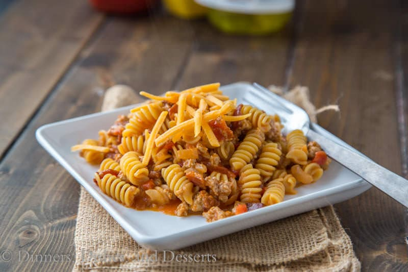 Bacon Cheeseburger Pasta Skillet {Dinners, Dishes, and Desserts}