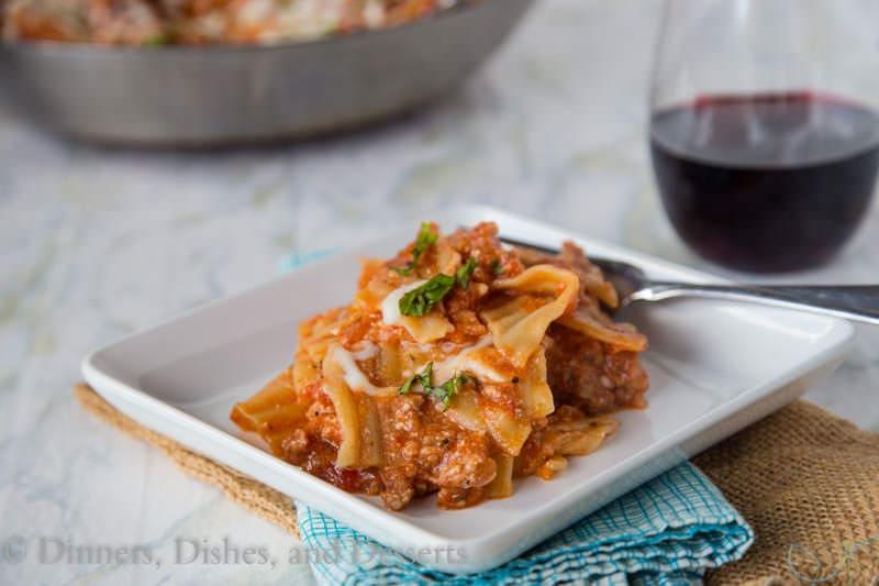 Easy Weeknight Lasagna - Make lasagna any night of the week with this easy skillet lasagna recipe!