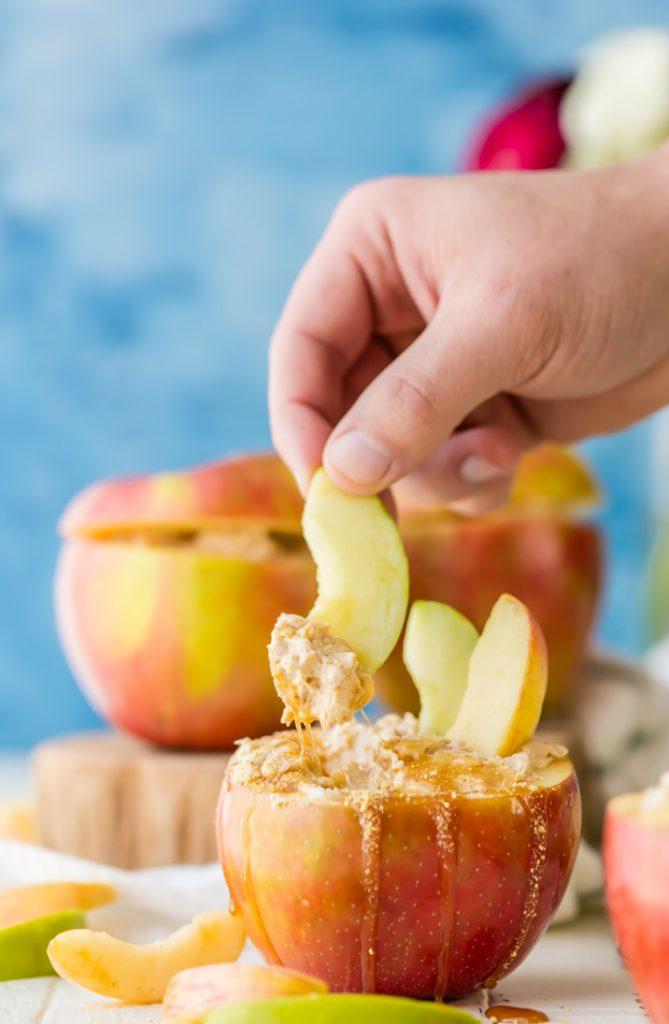 Caramel Cheesecake Apple Dip {The Cookie Rookie}