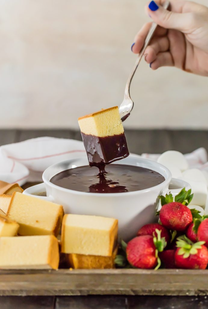Spiked Chocolate Hazelnut Fondue {The Cookie Rookie}