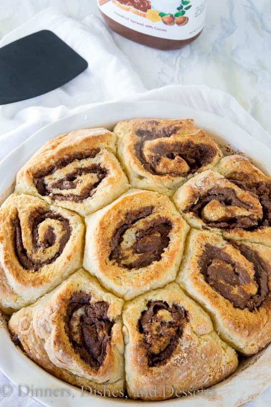 Easy Nutella Cinnamon Rolls - Cinnamon rolls that are ready in less than 60 minutes and filled with chocolate-y Nutella.