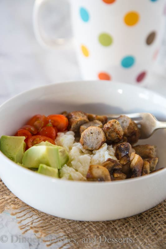 Breakfast Bowls with Chicken Sausage and Egg Whites - a super healthy, hearty breakfast with egg whites, sauteed mushrooms, diced tomatoes, and chicken sausage.
