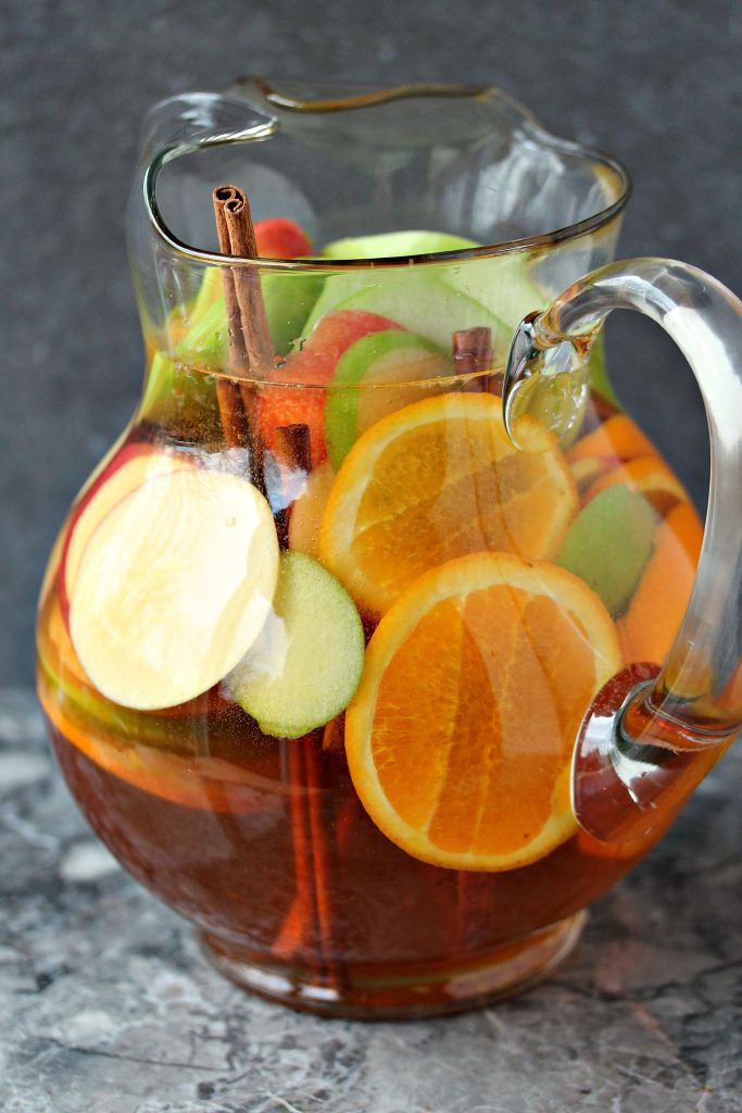 Easy Apple Sangria {Cravings of a Lunatic}