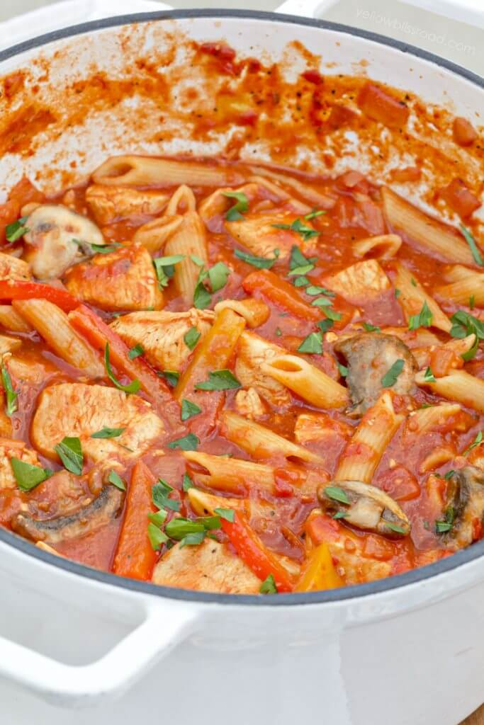 One Pot Chicken Cacciatore {Yellow Bliss Road}