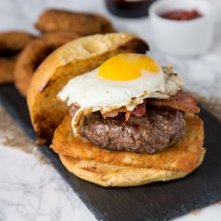 2am Breakfast Burger - the infamous 2am Burger from Rock Bottom Brewery made at home. Topped with hash browns, bacon, and a fried egg. Best burger recipe ever!
