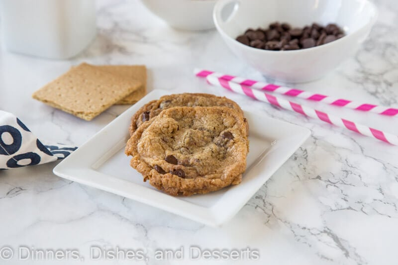 Toffee Graham Cracker Cookies - Crisp graham cracker cookies with warm chocolate chips and buttery toffee bits are a perfect cookie combo.