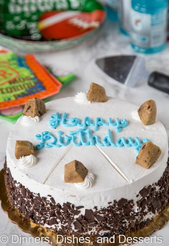Birthday Party Tips - throwing a birthday party does not have to be hard or a huge process. Keep it simple with these 5 tips to throw a great party at any age!