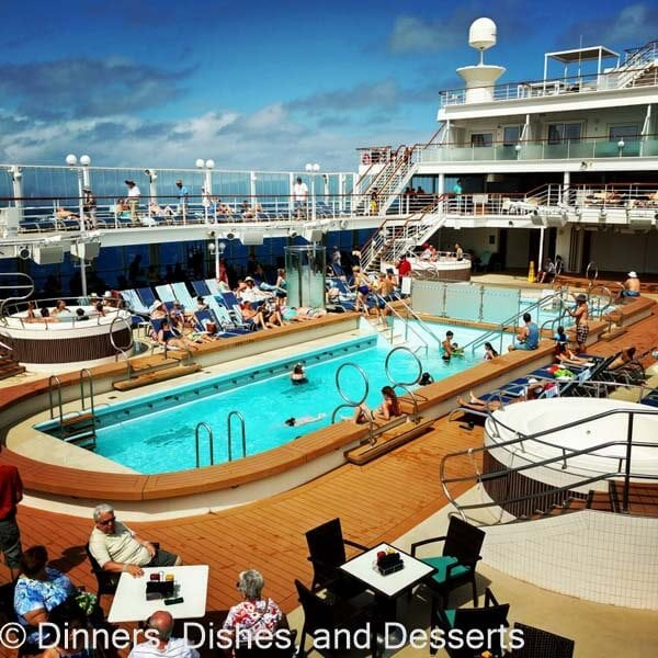 Reasons To Go On A Hawaiian Cruise Dinners Dishes And Desserts - Cruise ships hawaii