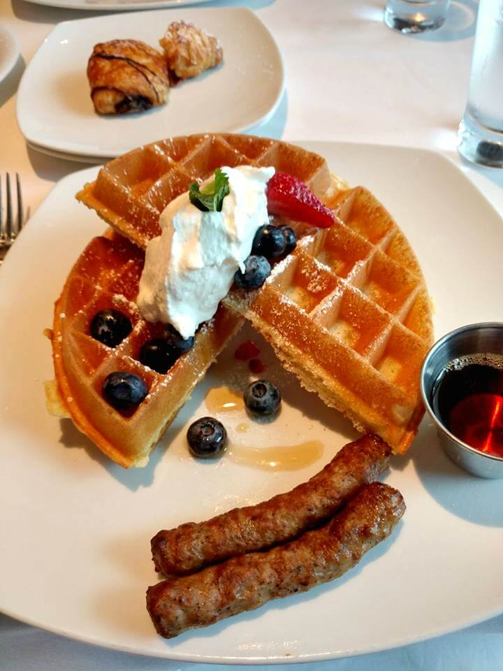 Dining Guide Pride of America - Cagney's Steakhouse Vanilla Waffles