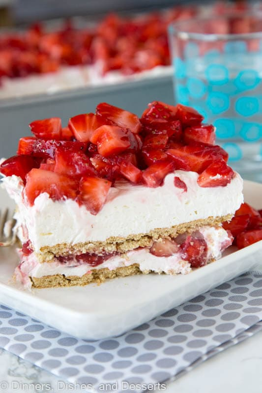 Strawberry Cheesecake Lasagna {Dinners, Dishes, and Desserts}