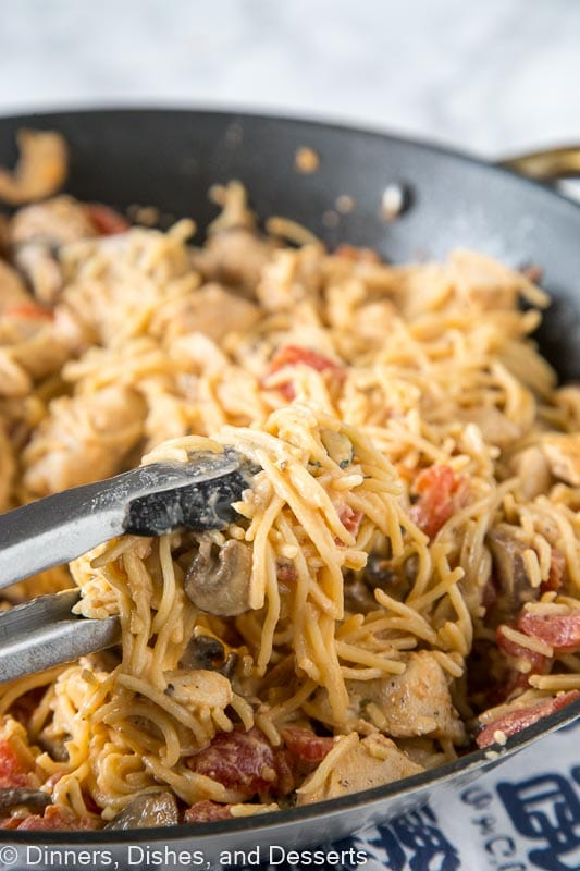 Tuscan chicken pasta dinners dishes and desserts creamy tuscan chicken pasta a super easy chicken pasta recipe that you can make any forumfinder Images