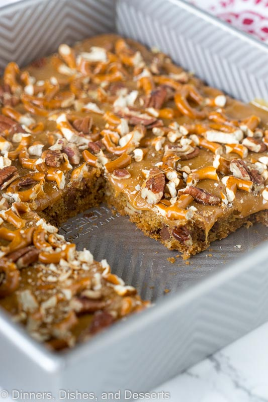 Butter Pecan Pretzel Bars - sweet and salty comes together in a super easy dessert! Gooey caramel, pecans, and pretzels makes it extra delicious.