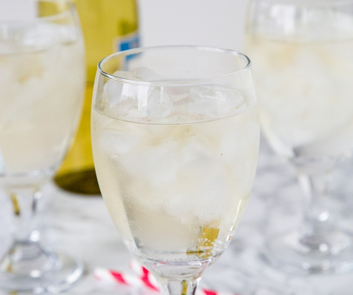 A glass of wine, with Spritzer
