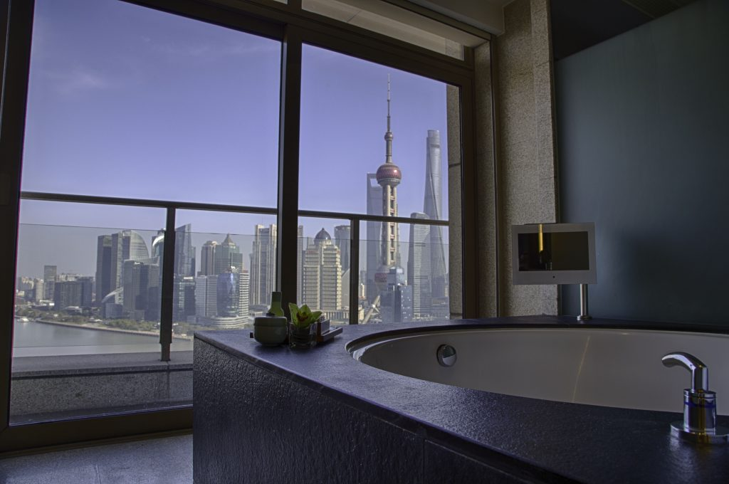 Hyatt on the Bund view from bath tub