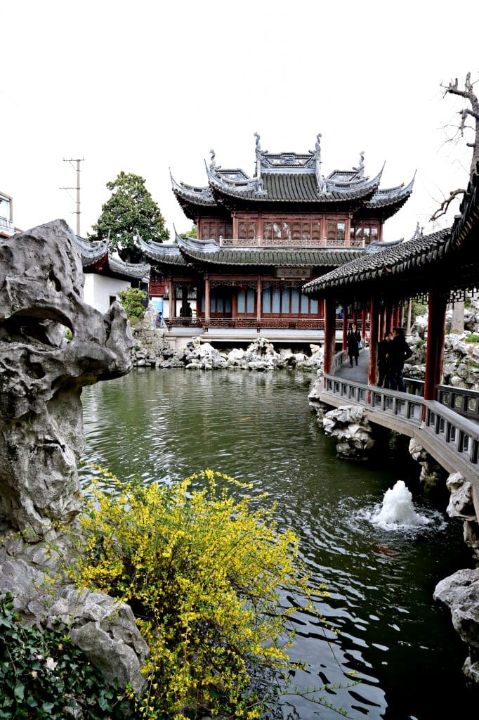10 Things to do in Shanghai - Headed to China?  Wonder what to do in Shanghai?  Here are our 10 favorite things to do in Shanghai. Yu Garden