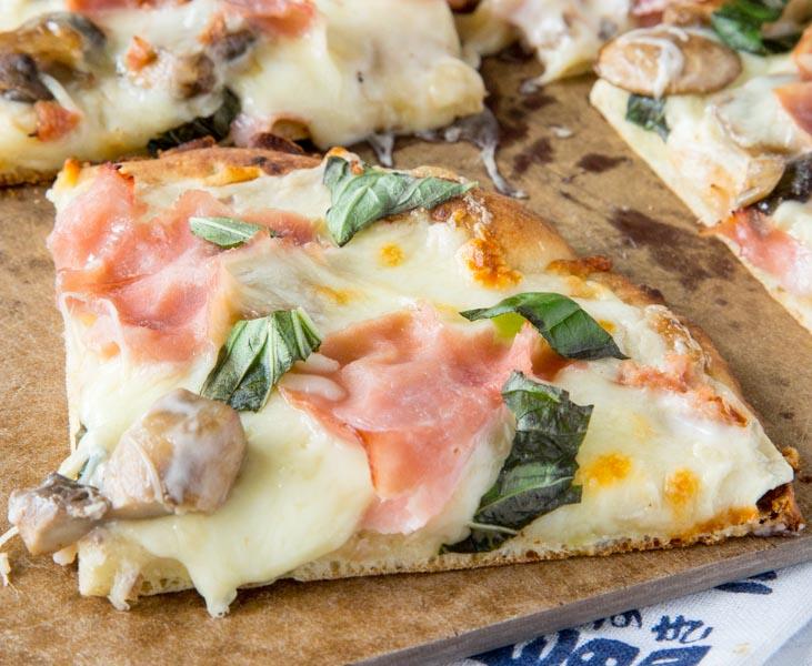 Mushroom and Ham White Pizza