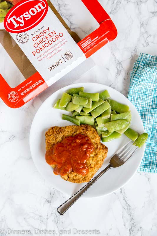 Tyson Crispy Chicken Pomodoro - New fully cooked dinner and entree kits from Tyson are the perfect answer to weeknight meals. Ready in minutes and super easy to make.