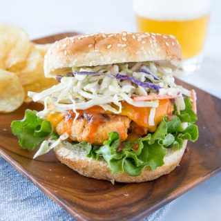 Buffalo Chicken Burger - use ground chicken to make great burgers that give you all the flavors of your favorite buffalo chicken!