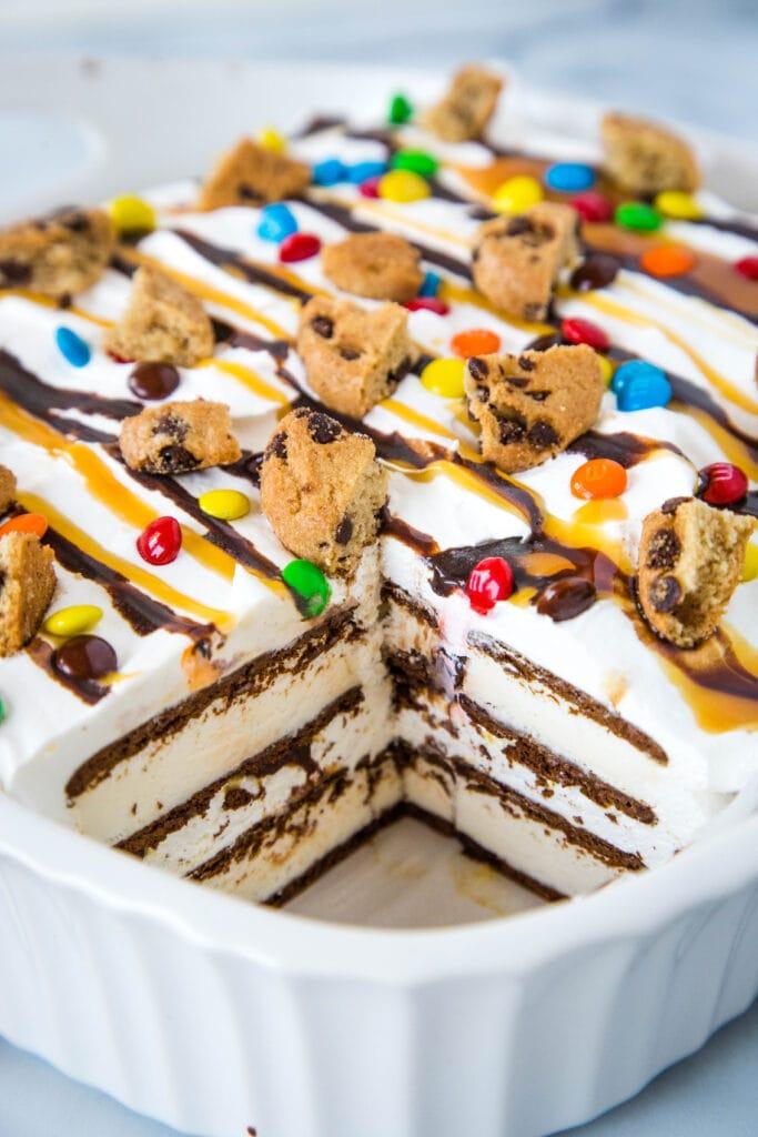 Ice cream sandwich icebox cake - a simple and fun frozen dessert