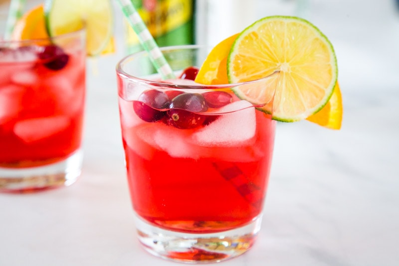 Cranberry Gin Cocktail Recipe - A delicious and festive cocktail with cranberry juice, gin, and a splash of triple sec.