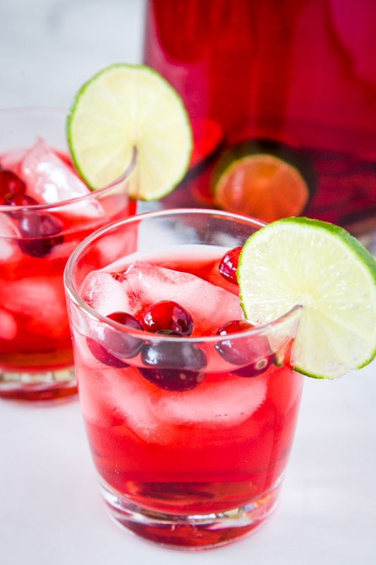Easy Christmas Punch you can make for the kids or the adults!
