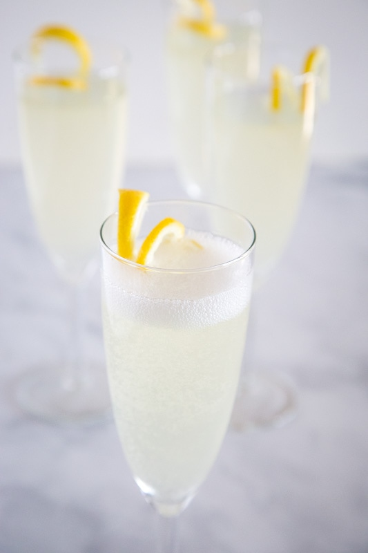 A classic cocktail with champagne, gin, lemon juice and simple syrup