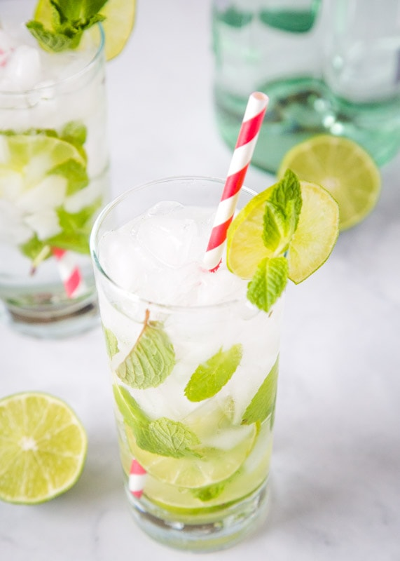 Need a refreshing cocktail. This mojito recipe is just 5 ingredients, super simple, and absolutely delicious.