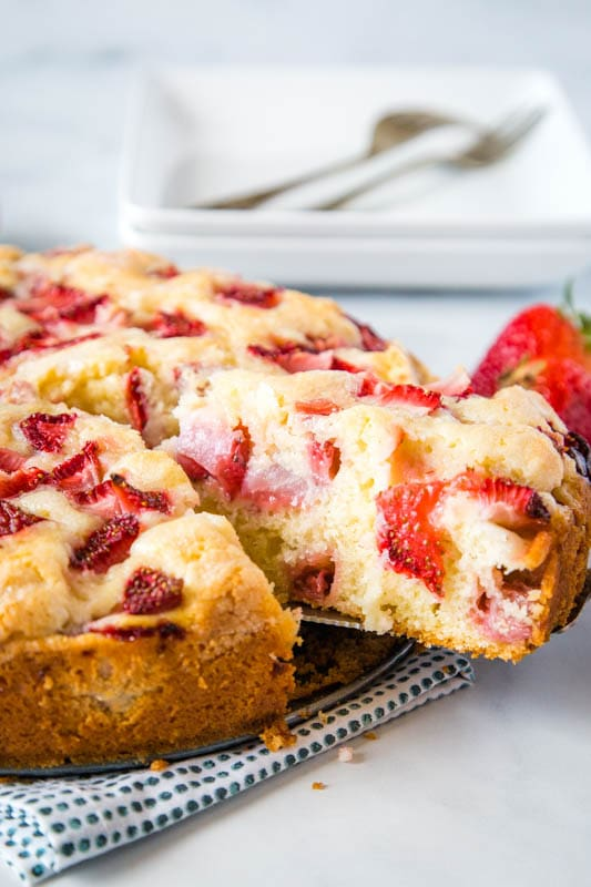 French Strawberry Cake with fresh strawberries